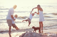 beach family photography inspiration  #photogpinspiration