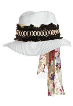10e24ac0c6b Akkesoir Hat white. Clothing Sale UK