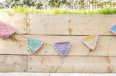How to crochet bunting