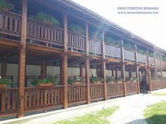 Manastirea Comana - comuna Comana, judetul Giurgiu - InfoGhidRomania.com Romania, Pergola, Deck, Outdoor Structures, Outdoor Decor, Home Decor, Decoration Home, Room Decor, Outdoor Pergola