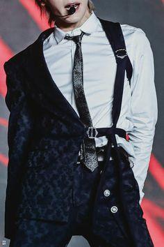 Kpop Fashion, Korean Fashion, Mens Fashion, Fashion Outfits, Stage Outfits, Kpop Outfits, Kpop Mode, Lee Taeyong, Character Outfits
