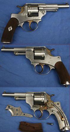 REVOLVER Modèle 1873 de Marine 1er modèle, manufacture de Saint Etienne, calibre 11mm Marine, sorti en 1878