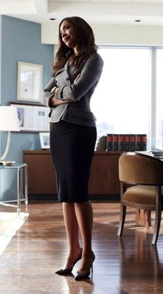 Inspired dose of Jessica Pearson, Claire Underwood, Rachel Zane and Olivia Pope. Workwear Fashion, Suit Fashion, Work Fashion, Fashion Ideas, Power Dressing, Casual Work Wear, Work Attire, Gina Torres, Women Lawyer