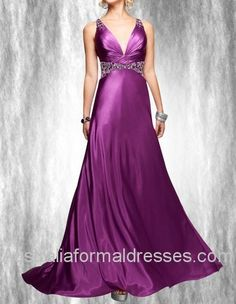 This V-neck sweep train dress is the one designed for mature and sexy woman. With the beadings shining on the delicate prom dress, you surely have been a goddess from the heaven. Purple is the color belonging to mysterious women so that this prom dress also asks us to find out your covered story and know you well.