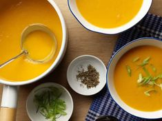 Get Carrot, Sweet Potato and Squash Soup Recipe with chorizo from Rachael Ray Food Network Sweet Potato Soup, Sweet Potato Recipes, Easy Soup Recipes, Beef Recipes, Food Network Recipes, Food Processor Recipes, Cup Of Soup, Quick And Easy Soup, Toasted Pumpkin Seeds