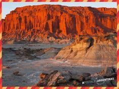 Colores y texturas se mezclan cuando amanece en el #ValleDeLaLuna, #SanJuan. #Turismo #Argentina #ViajesGuíasYPF #GuíasYPF #Viajes #YPF