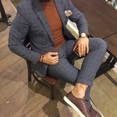 New post on mens-fashion-inspiration Dressy Casual Attire, Blair Fashion, Expensive Suits, Men Wearing Dresses, Classy Suits, Smart Casual Men, Foto Casual, Gentleman Style, Fashion Lookbook
