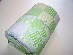 *Diese süße, kuschelige Babydecke im Patchworkstil ist das ganz besondere Geschenk für die werdende Mama oder auch für Sie selbst.*   Handgefertigt, mit viel Liebe...    125x140 cm