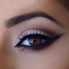 Cat Eye Eyebrows Stencils. Description: 2pcs Perfect Cat Eye & Smokey Eye Makeup Eyeliner Models Template Top Bottom Eyeliner Card Auxiliary Tools Eyebrows Stencils. Product Description: Feature: Mate