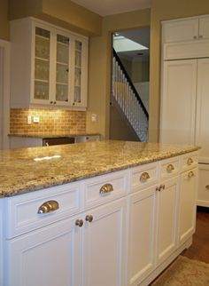 Photos White Kitchen Cabinets What Color Granite Colour Countertops On