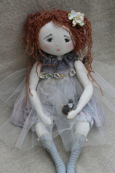 ..n'est elle pas touchante cette petite Marinette..(35cm). - from 'Le Jardin des Farfalous' website.♡