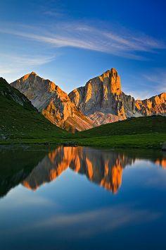 Landscape / Nature, Luces de Petrechema, Ibón de Ansabère, P.N. de los Pirineos