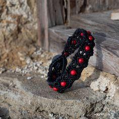 Black and red macrame bracelet Boho Fashion, Mens Fashion, Macrame Bracelets, Pouch Bag, Bracelets For Men, Boho Style, Unisex, Gemstones, Fabric