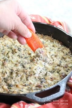 Your taste buds are going to LOVE this keto hot spinach artichoke dip. It's the perfect appetizer for parties! It is Keto and Paleo friendly. Keto Spinach Recipe, Spinach Recipes, Ketogenic Recipes, Paleo Recipes, Whole Food Recipes, Ketogenic Diet, Paleo Diet, Ketosis Diet, Lchf Diet