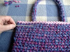 Easy peasy crochet bag - with strong handles