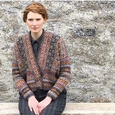 We are very excited about the launch of @mariewallinknits 'Shetland' book later this year featuring our yarns. This is the Fair Isle Club 3 which will be an exclusive membership knitalong in Nov. We were lucky to meet Marie and her team whilst up here doing this shoot last week. Follow Marie for more info. Who can't wait for a copy? #jamiesonsofshetland