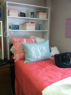 Preppy dorm room