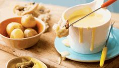 Cheese and wine fondue. The secret to a great cheese fondue is to use a good quality cheese. No Bake Desserts, Delicious Desserts, Yummy Food, Fun Baking Recipes, Cooking Recipes, Summer Drink Recipes, Recipe Search, Recipes For Beginners, Grilling Recipes
