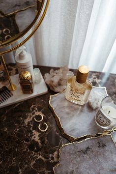 The Noisetier - dekoration Beauty Desk, Beauty Room, My New Room, My Room, Classy Aesthetic, Makeup Aesthetic, Gold Aesthetic, Vanity Decor, Shelfie