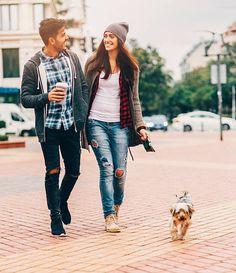 194点の犬 散歩 恋人 街中のストックフォト - Getty Images【2020】 | 犬 散歩, 恋人, キャンプ
