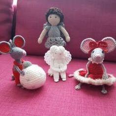 Blij om mijn nieuwste toevoeging aan mijn #etsy shop te kunnen delen: Kerstbal met muis, engeltje, engel en kerstmuis http://etsy.me/2z6udoe