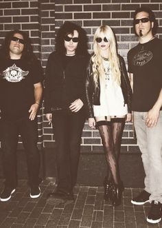 All about #TaylorMomsen: the #Grunge #Princess at http://www.clubfashionista.com/2012/11/taylor-momsen-grunge-princess-of.html