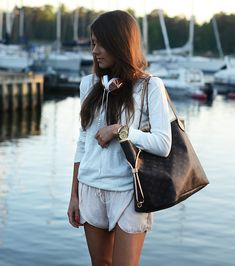 I want the headphones bag and shorts <3<3<3