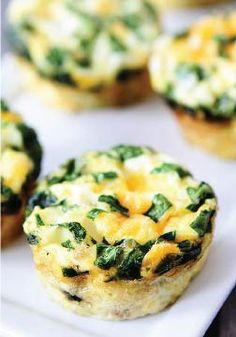 Egg Muffins with Sausage, Spinach, and Cheese. Perfect for your Sunday brunch!