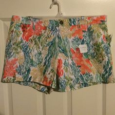 "Coral Reef Print Twill Shorts Great summer pattern with coral and teal colors. Side slant pockets, back slit pockets. 3.5"" length. 100% cotton. Old Navy Shorts"