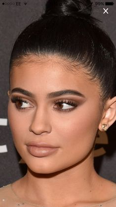 Kylie Jenner at the Golden Globes, her makeup is flawless