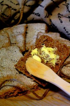 Kakkuviikarin vispailuja!: Ruispalat Bread Recipes, Cooking Recipes, Bread Board, French Toast, Bakery, Stuffed Mushrooms, Food And Drink, Healthy Eating, Yummy Food