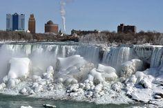 niagara falls turn into frozen