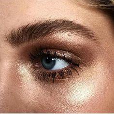 Esfumado em tons de marrom, bronze e dourado ✨ #ddbinspira {brown, bronze and gold smoky eye}