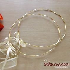 Stefana gamou Gold wedding crowns, gold plated matte at an affordable price and a luxury crown box at the asimenio in Thessaloniki. Greek Wedding, Sister Wedding, Wedding Day, Wedding Stuff, Gold Wedding Crowns, Wedding Bands, Flower Decorations, Wedding Decorations, Orthodox Wedding