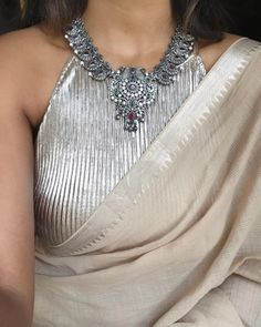 Styled this gorgeous silver necklace from with my fave Mangalgiri sari in a creamy beige ❣️ . Indian Attire, Indian Wear, Indian Outfits, Trendy Sarees, Stylish Sarees, Saree Blouse Patterns, Saree Blouse Designs, Saree Accessories, Saree Jackets