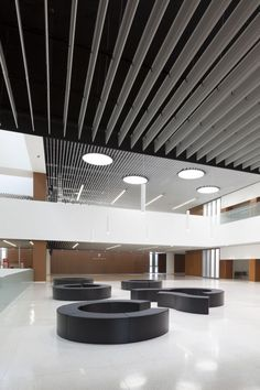 Image 17 of 26 from gallery of Economic&Masters Building UNAV / Juan M. Photograph by Ruben Perez Bescos Commercial Architecture, Interior Architecture, Interior Design, Office Building Lobby, Office Entrance, Entrance Hall, Elevator Lobby, Lobby Interior, Lobby Design