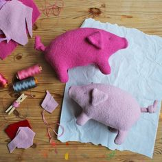 Ahhhh, how great: a cute cuddly pig called Schwups for sewing yourself! - what for me- Ahhhh, how great: a cute cuddly pig called Schwups for sewing yourself! Doll Sewing Patterns, Sewing Toys, Sewing Projects For Kids, Sewing For Kids, Diy Crafts To Do, Crafts For Kids, Art Bullet, Wolf Stuffed Animal, Diy Bebe