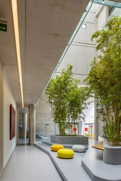 Image 5 Of 15 From Gallery Of Eurogida Factory Administrative Building Oney Architecture. Photo By Ali Kabas Photography Landscape Architecture, Interior Architecture, Factory Architecture, Landscape Designs, Sustainable Architecture, Farmhouse Stools, Office Lobby, Office Building Lobby, Restaurant Seating