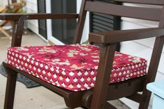 chair cushion tutorial.