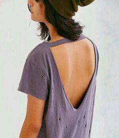 49 ideas for how to cut a tshirt diy summer Diy Cut Shirts, T Shirt Diy, Cutting Shirts, Ways To Cut Shirts, Diy Tshirt Ideas, Diy T Shirt Cutting, How To Refashion A Tshirt, Cut Up Tshirt Ideas, Diy Cutout Shirt