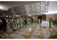 Papa: Que los cristianos superen la mentalidad que condena siempre - Radio Vaticano