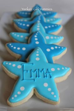 "starfish fancy cookies for ""Emma"" No Bake Sugar Cookies, Sugar Cookie Royal Icing, Fancy Cookies, Iced Cookies, Cute Cookies, Cupcake Cookies, Seashell Cookies, Mermaid Cookies, Moana Cookies"