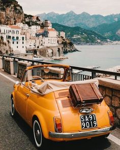 A open air tour through the scenic Campania region of Italy in a 1960 Fiat 500 convertible designed by Dante Giacosa. Summer Aesthetic, Travel Aesthetic, Aesthetic Vintage, Orange Aesthetic, Beach Aesthetic, Retro Cars, Vintage Cars, Vintage Travel, Antique Cars