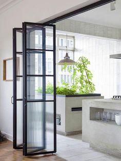 Стеклянные двери - гармошка