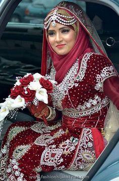 Hijab pernikahan dari India.