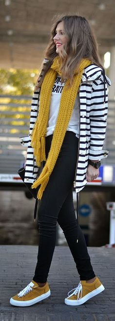 Stripes Jacket Top with Yellow Scarf ad Snakers And Skinny Tights in Black | Mi Aventura Con La Moda