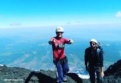 #Volcán_Villarrica  Fotografía tomada desde la cima del Rucapillan ! 🗻 Una hermosa Vista 😊👍 al fondo de la imagen , se ve también el Lago… Chile, Adventure, Instagram, Lakes, Sweetie Belle, Chilis, Fairy Tales, Adventure Nursery, Chili
