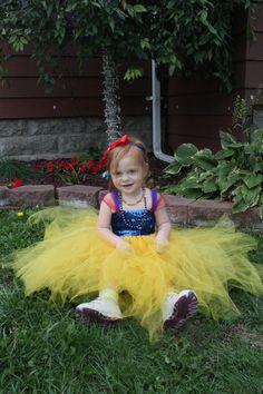 Snow White Style Tutu Dress/ by pocketfulofposiesbou on Etsy, $35.00