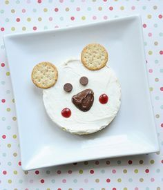 Want to get a little creative with your kids' food? We've rounded up the best ideas from cute-food expert Jill Dubien. Cute Snacks, Cute Food, Good Food, Polar Bear Food, Polar Bears, Animal Snacks, Creative Snacks, Preschool Snacks, Preschool Ideas