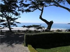 Carmel, CA: Lovely 2 bedroom (king, twins), 2 bath, split-level home with unlimited ocean views & lots of flowers! Living room has gas log fireplace, views & comf... Vacation Rental